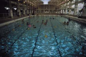 Tropical leisure pool at splash leisure complex swimming - Hotels with swimming pools in norfolk ...