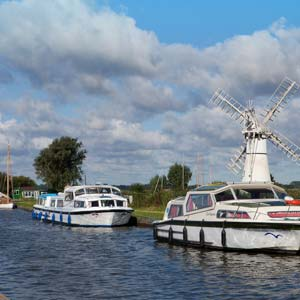 Mooring on the staithe at Thurne