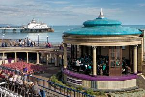 Bandstand2