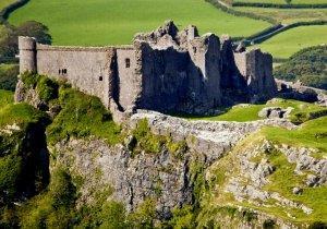 Carreg Cennen Castle - cadw