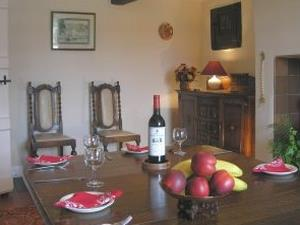 Longlands Farm Cottage dining room