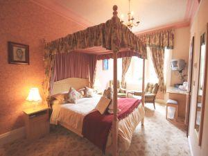 The Old Vicarage four poster bedroom