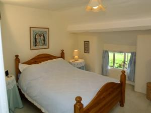 1 Far End Cottages, master bedroom