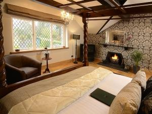 Broadoaks Country House bedroom