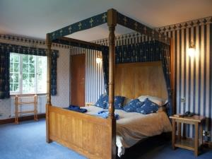 Bawd Hall blue bedroom