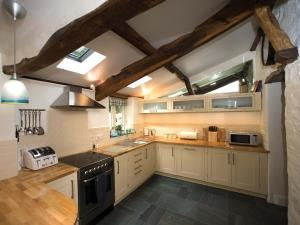Stone Cottage kitchen