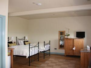 Rooms@Bank House Farm Twin bedroom