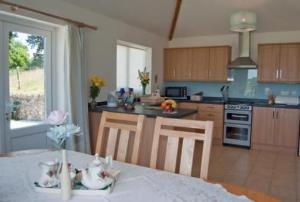 open plan kitchen/ breakfast room