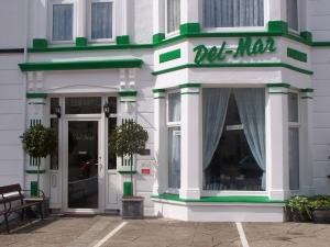 Del-Mar Guest House