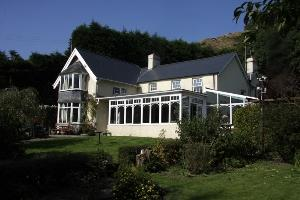 Ffynnon Cadno front of house
