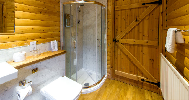 Modern Bathrooms in each lodge