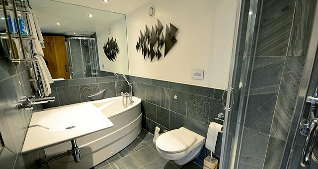 Wordsworth Barn Bathroom