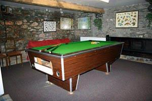 Gamesroom with pooltable