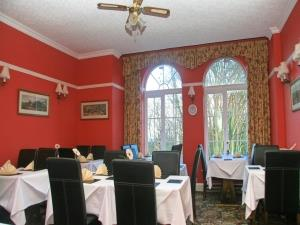 The Outlook, Dining Room